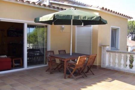 Eingang zum Wohn- und Esszimmer von der Terrasse