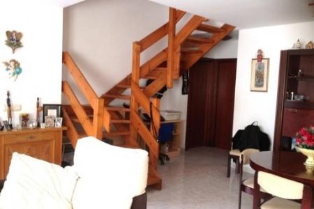 Haus-Treppe-Roses