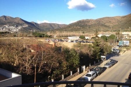 Großzügige Wohnung mit erholsamem Blick auf die Berge in Roses